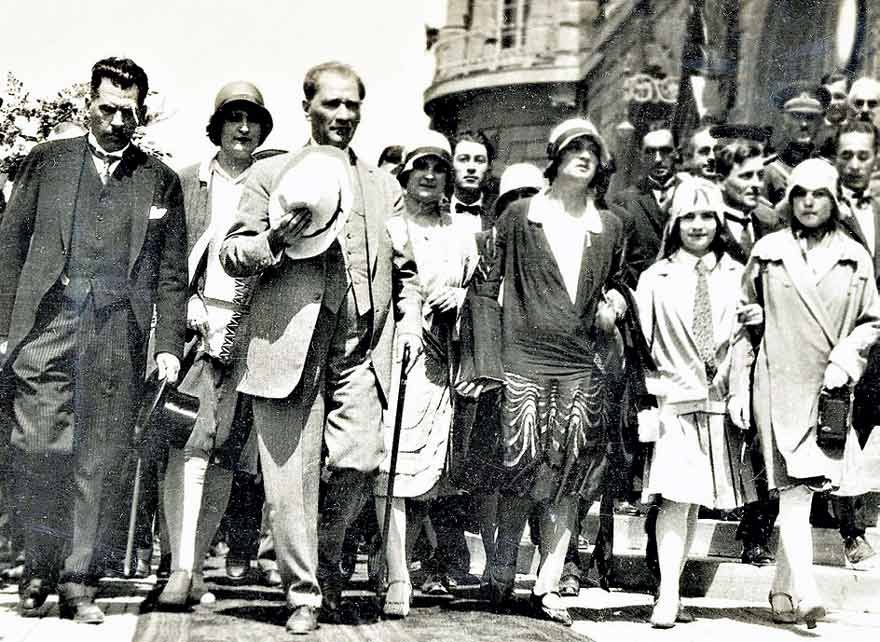 Mustaf Kemal Atatürk and women Türk